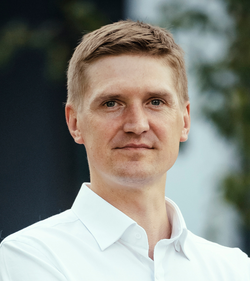 Юрис Велдре, руководитель отдела продаж и клиентов
